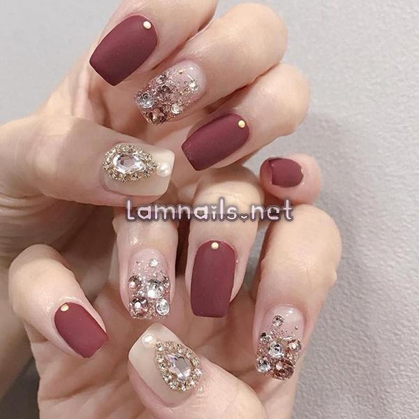 Mẫu Nail Đẹp: Mẫu nail đính cườm, xu hướng nail 2021, hướng dẫn vẽ nail đính cườm tạo tứ diện huyền ảo