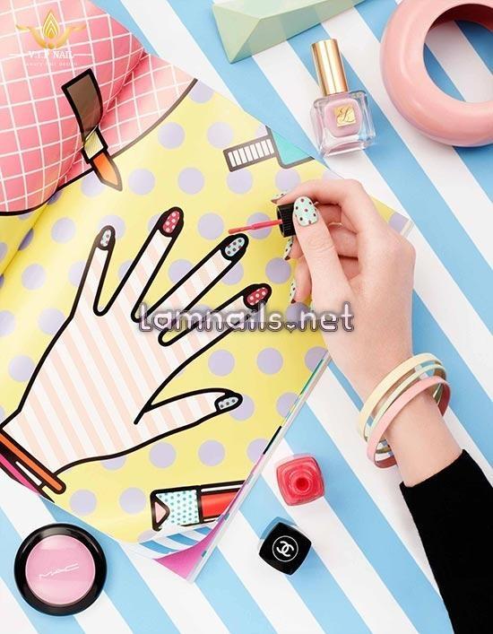 Mẫu Nail Đẹp: Cách chọn màu sơn móng hợp với màu da tay, xu hướng nail 2021