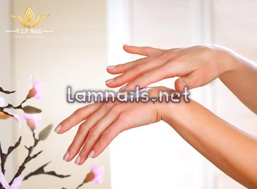 chăm sóc móng mùa đông - baogiadinh.vn