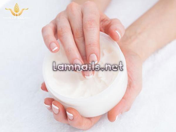 Mẫu Nail Đẹp: Công thức chăm sóc móng tay hàng ngày, xu hướng nail 2021