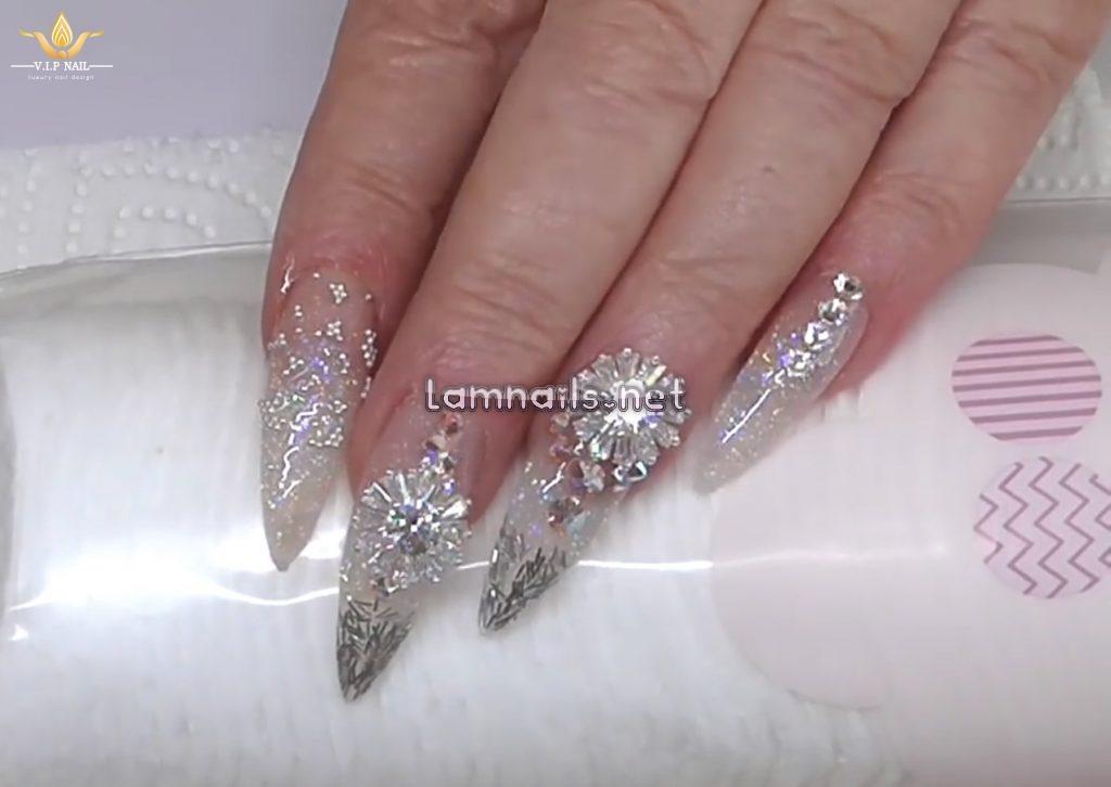 Dạy vẽ nail nữ hoàng đắp bột Acrylic - baogiadinh.vn