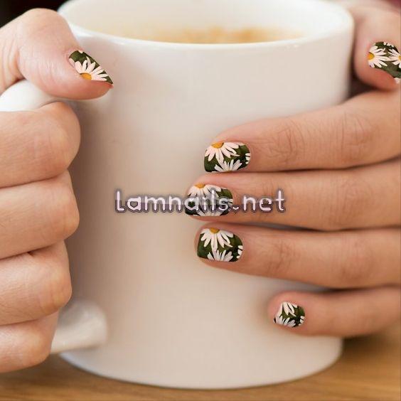 Top 15 mẫu nail nhẹ nhàng đẹp và dễ thương tháng 5 2021