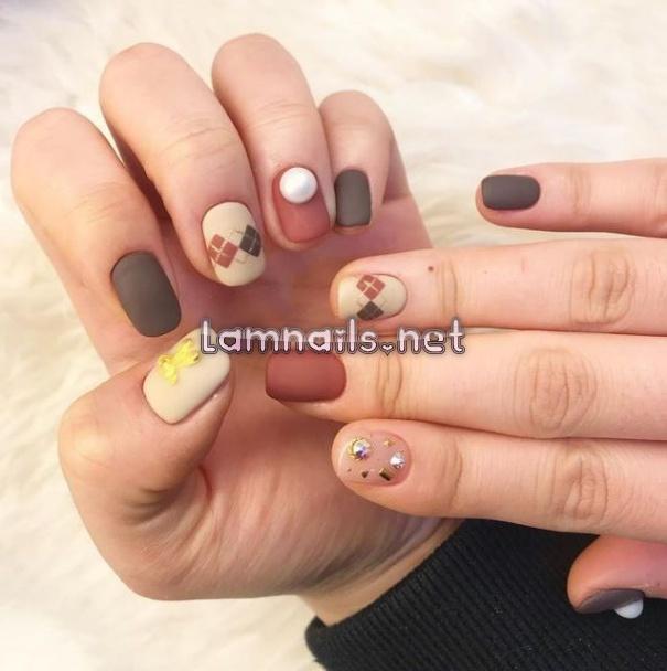 Mẫu Nail Đẹp: Mẫu nail kiểu vintage, xu hướng nail 2021
