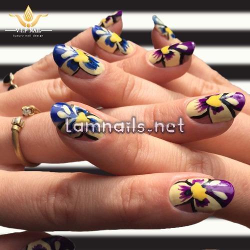 Phát sốt với những mẫu nail đẹp trên Instagram