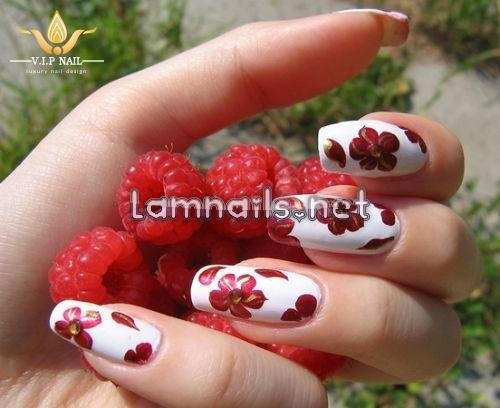 Trang trí móng tay đẹp tưng bừng đón năm mới - baogiadinh.vn