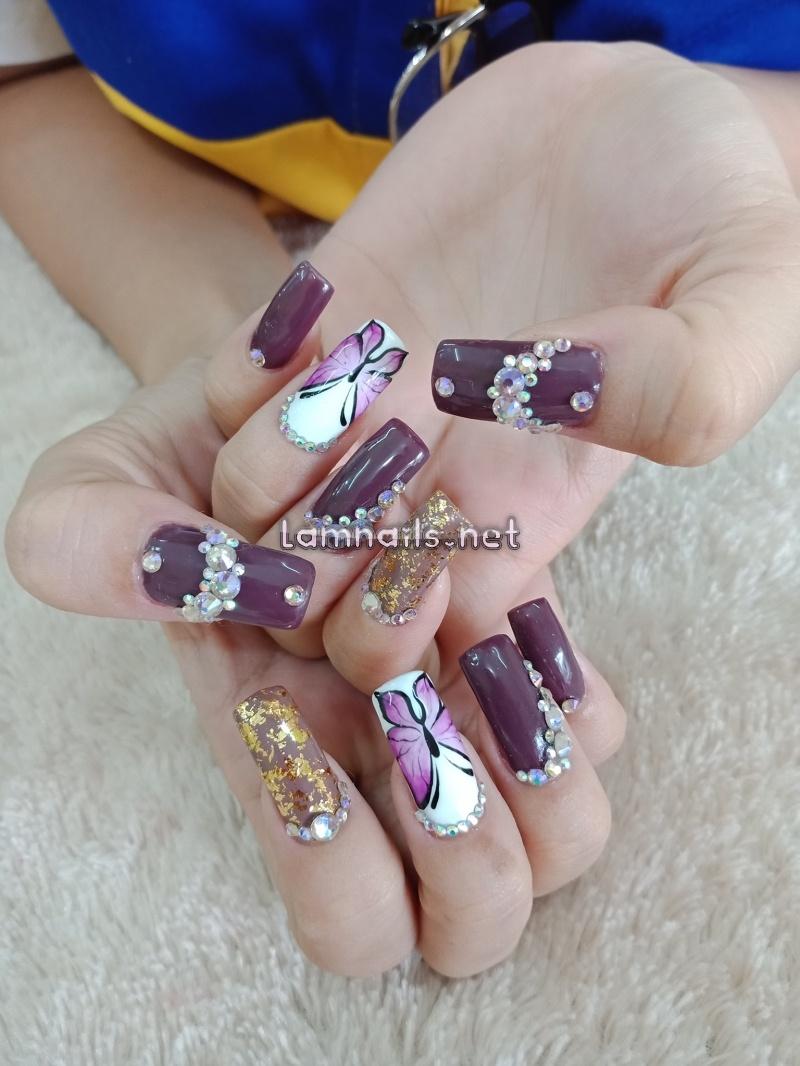 Thuỷ nail