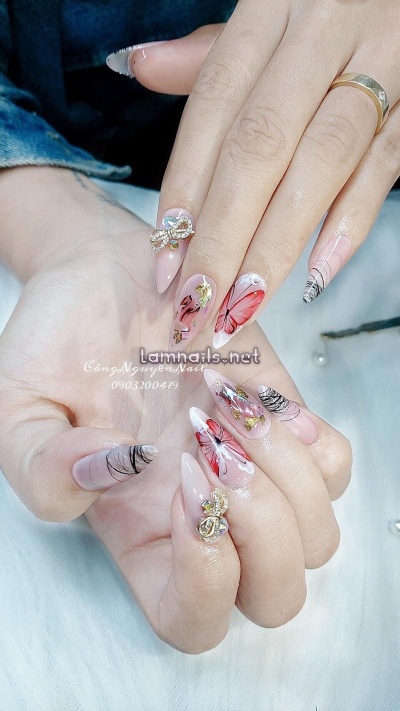Thụy Quế Nguyễn (Công Nguyễn's Nails)