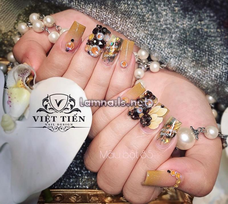 Nails Việt Tiến luôn khác biệt bởi sự sáng tạo