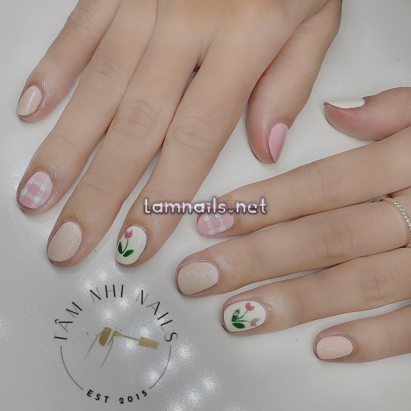 Nail đơn giản, dễ thương - Tiệm nail Tâm Nhi