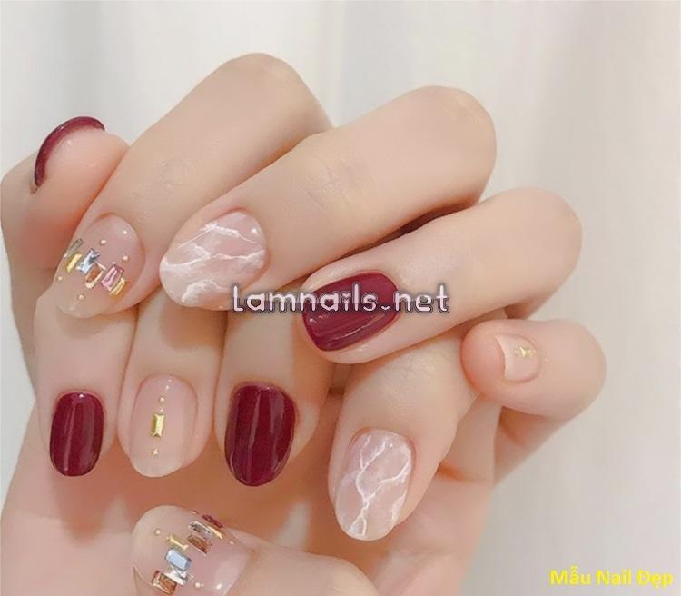 Mẫu Nail Đẹp: Các mẫu nail đơn giản, nhẹ nhàng, dể làm tại tốn quá nhiều phí và thời gian.