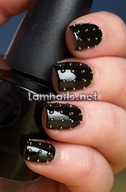 gold-studded_102552 - lamnails.Net