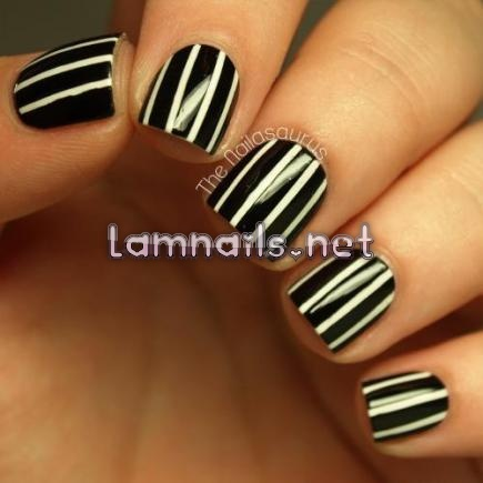 black-and-white-pinstripes_109999 - lamnails.Net