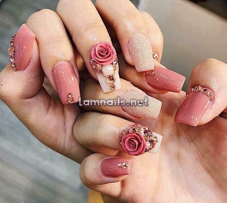 Những mẫu nail hoa nổi đẹp giúp bộ móng xinh lung linh