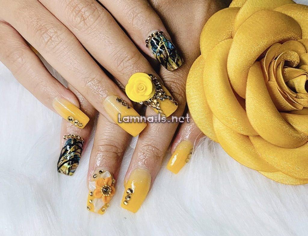 Mê mẩn 15+ mẫu nail hoa đẹp nhất giúp nàng tỏa sáng 2020