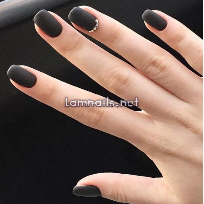 Móng tay đẹp màu đen - những mẫu nail sáng da, quyến rũ cho bạn gái
