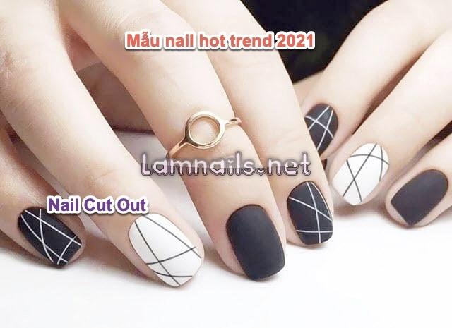 Nail hot trend 2021 hiện nay: Mẫu nail cut out với thiết kế lạ và độc đáo